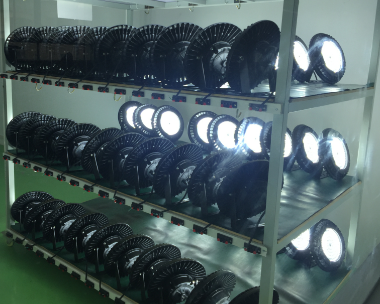 LED 240W UFO Highbays