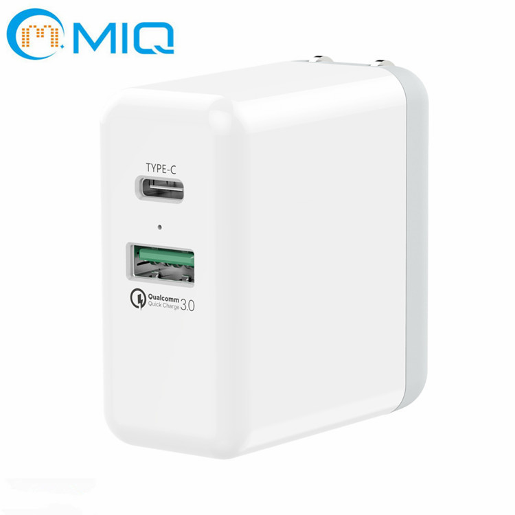 Type-C Port + USB Port QC3.0 Foldable US Plug Wall Charger DK45T (1)_副本1.jpg