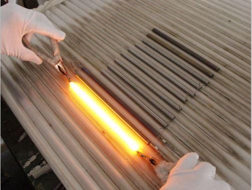 Acid And Alkali Corrosion Resistant Quartz Heating Tube.jpg